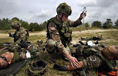 왜 전장에서는 가장 심한 중상을 입은 병사가 먼저 치료받지 못할까?