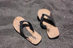 여름은 발의 노출의 많아지는 계절 ㅎ 여름철 고민거리 발냄새 관리법 알아봤어요 ^^