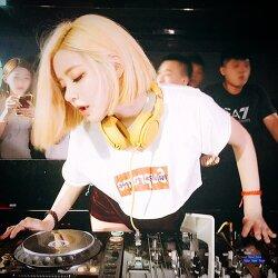 CELEB.26.DJ SODA. 알만한  사람은 다 안다라는 디제잉계의 여신 DJ SODA
