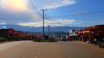 FORT PORTAL, UGANDA (포트 포털, 우간다)