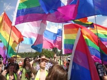 러시아 LGBT 투쟁의 역사와 오늘: 평등과 정의를 꿈꾸는 사람들