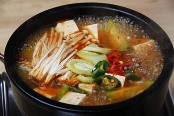 깊은 매운 맛이 일품! 된장찌개 맛있게 끓이는 방법~ 두반장 된장찌개