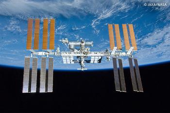 a7S II, 우주에서 지구를 4K로 찍다!