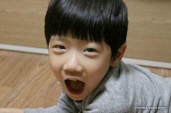 표정연기의 달인~ 5살 아들이 퇴근 후 지친 아빠를 위로하는 법~!