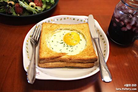 브런치 메뉴로 좋은 고급진 에그인홀 토스트 만들기