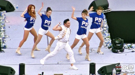[4K][17.05.20] PSY(싸이) DADDY(대디) 직캠 at 연세대 아카라카 축제 BY 여금