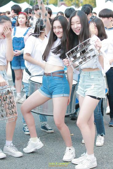 즐거움이 폴폴~! 2017 서울거리예술축제 폐막프로그램 끝.장.대.로<움직이는 대로> 시민퍼레이드 광화문 세종대로