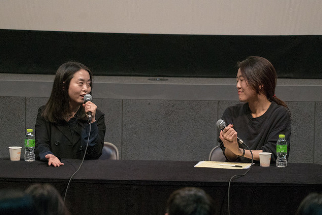 """""""절대 담배 안 끊겠다는 반항심으로 만들었다""""  - <소공녀> 상영 후 전고운 감독 시네토크"""