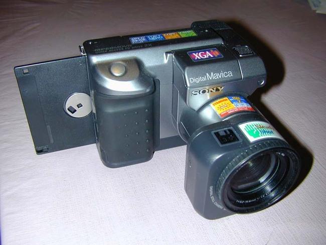 세계 최초의 상업용 디지털 카메라 소니 마비카