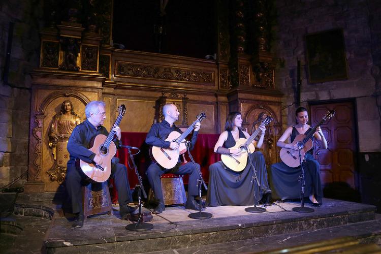 바르셀로나 고딕지구(Gothic Quarter) 성당에서 기타공연 관람과 영화 <향수>의 촬영장소 구경