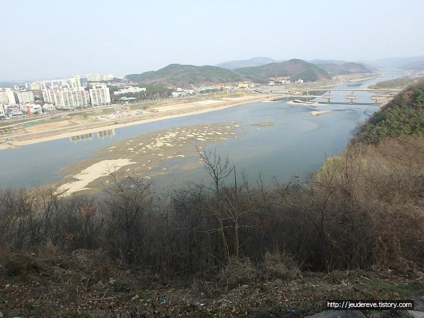 공산성에서 바라본 금강(공주, 2018.3월말)