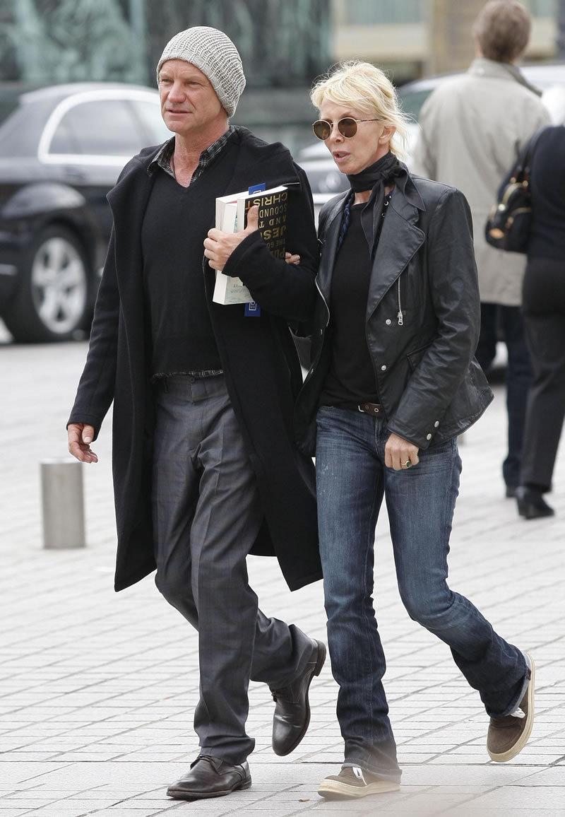 Fashion Style Gossip Man Paparazzi Photos Sting Salma Hayek Halle Berry