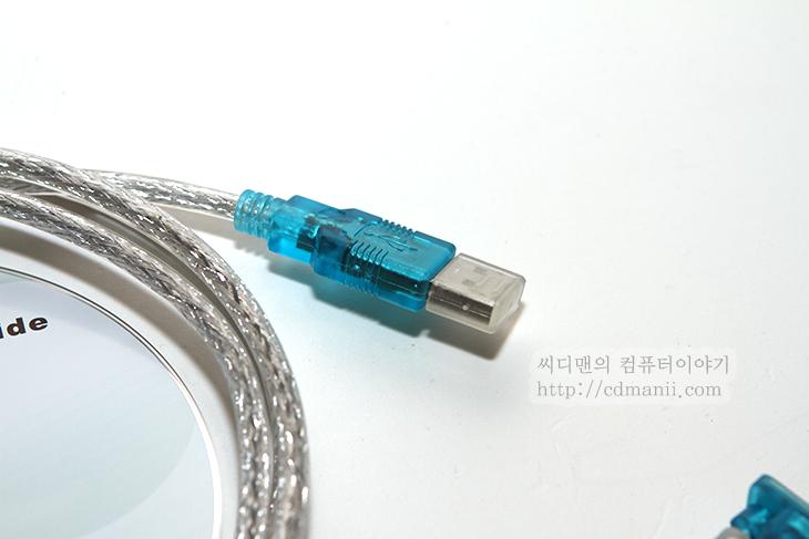 serial to USB 젠더, USB TO RS232, 윈도우7 64비트, 지원, 운영체제, KW-925, KW-825, 윈도우7, 지원유무, 사용기, 후기, 악세서리, 시리얼, Serial Port, 장치관리자,Serial to USB 젠더 중에 윈도우7 64비트까지 지원하는 제품을 소개합니다. USB TO RS232 로 강원전자 몰에서 KW-925 KW-825로 찾을 수 있는데요. 구버전의 케이블 경우 64비트에서는 잘 동작하지 않는 경우가 있는데 이 제품들 경우에는 모두 윈도우7 64비트까지 지원을 하네요. 실제로 설치도 해 보았습니다. 시리얼 장치중에 USB로 접속을 시켜야할 경우 사용이 가능하구요. KW-825는 USB 2.0 까지 지원하는 모델이고 KW-925 는 USB 1.1을 지원하는 모델 입니다. 케이블 길이가 충분히 길어서 어디든 사용이 가능하고 페러럴 포트 젠더도 기본으로 제공을 합니다. 케이블은 쉴드 처리가 되어있어서 신호율도 띄어나네요.