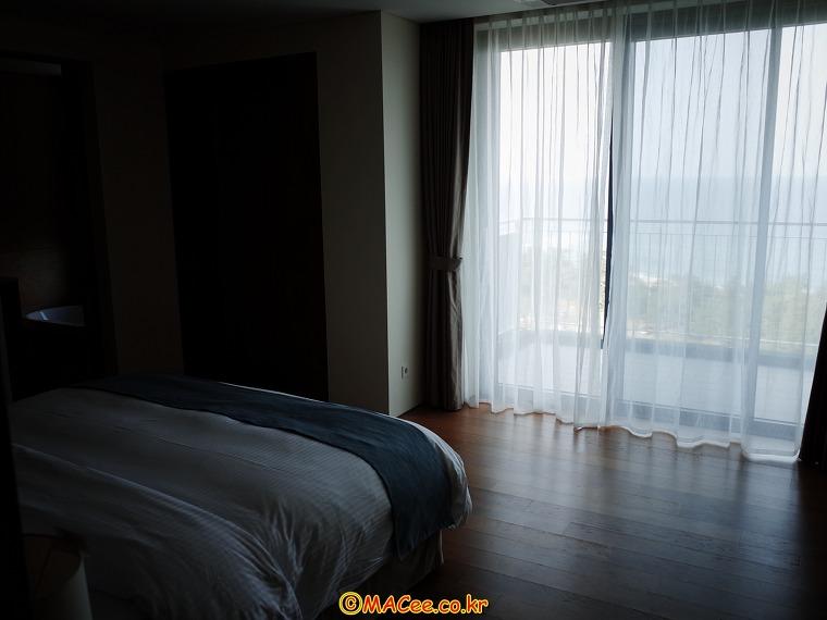 3.라카이 샌드파인 리조트 펜트하우스 201호 객실 2-1