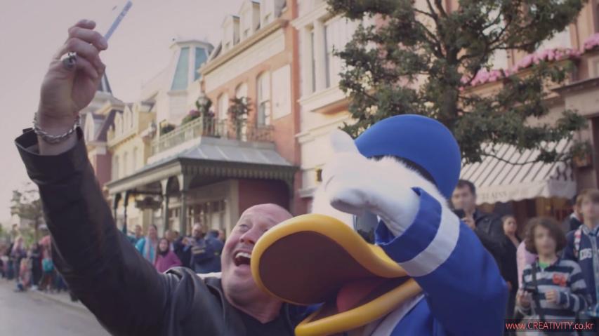 프랑스의 디즈니랜드 파리(Disneyland, Paris)에 영국의 불량배들이 나타났다! - 디즈니랜드 파리(Disneyland Paris)의 바이럴 필름, '나쁜 녀석들(Bad Boys)'편 [한글자막]