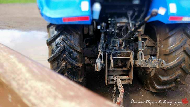 농장 트랙터입니다