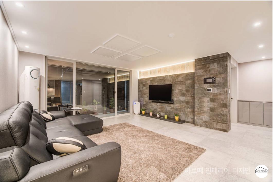 M84 :: 은은한 감성과 미래지향적 디자인이 공존하는 집