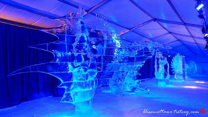 캐나다 국제 얼음조각 경연 대회입니다
