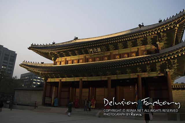 창덕궁 달빛기행의 집결지인 돈화문