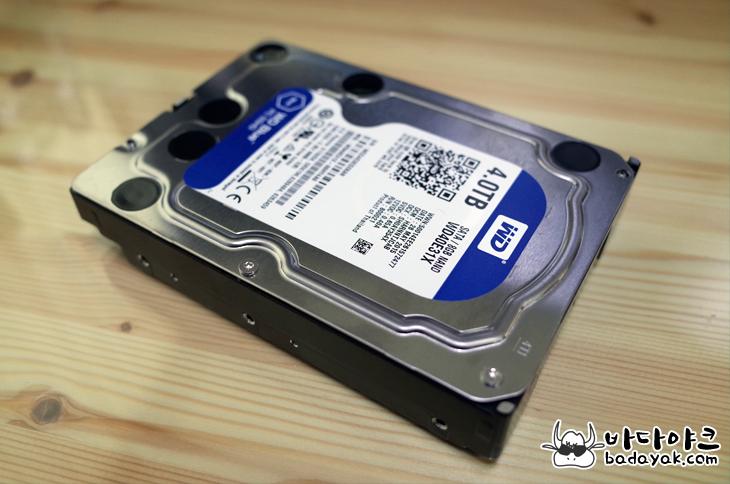 WD 하드디스크 4TB SSHDD WD40E31X 스펙 성능