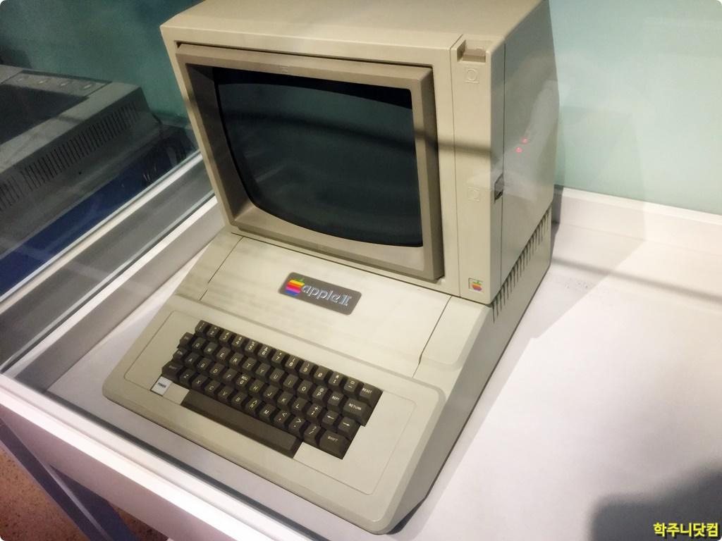 1980년대 내 첫 컴퓨터였던 애플 2+(Apple II+) 이야기