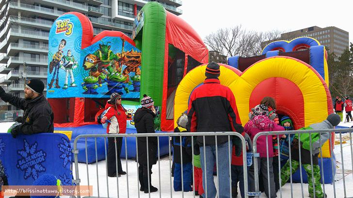 캐나다 겨울 축제 오타와 윈터루드 winterlude 에어 놀이터