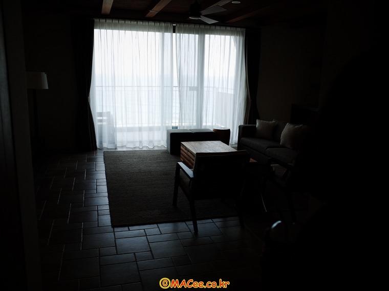 라카이 샌드파인 리조트 펜트하우스 201호 거실01