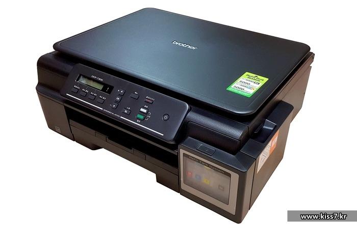 사진: 사무용으로 가장 많이 사용되는 것은 캐논프린터이고 화사한 컬러프린팅용으로 가장 사용되는 것은 엡손프린터다. 브라더프린터는 무난한 사용편리성이 장점이다. [가정용프린터 복합기 제품들]