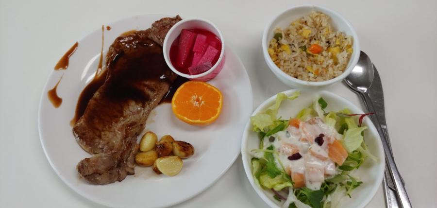 12월 어느날 우리시설 점심식사