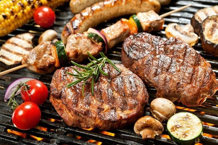 단백질을 너무 많이 먹으면 생기는 위험성 5가지