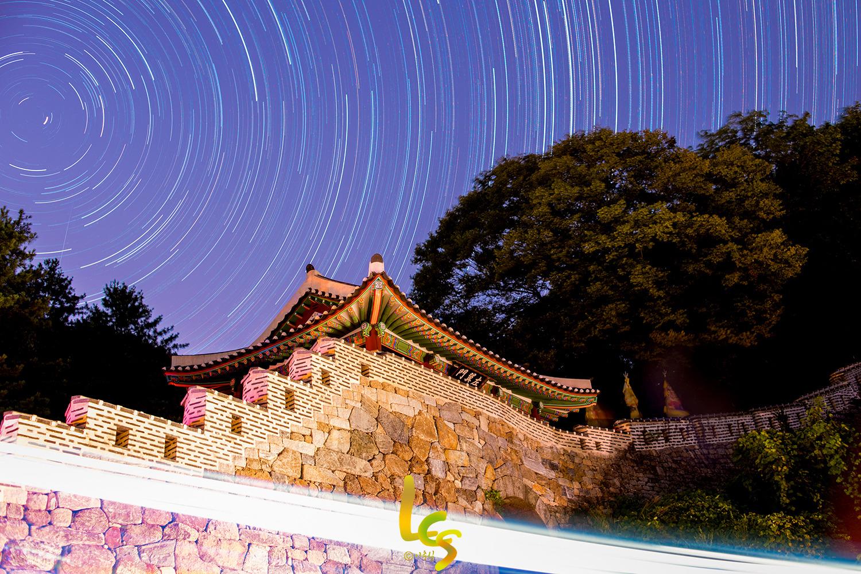 남한산성 동문 별